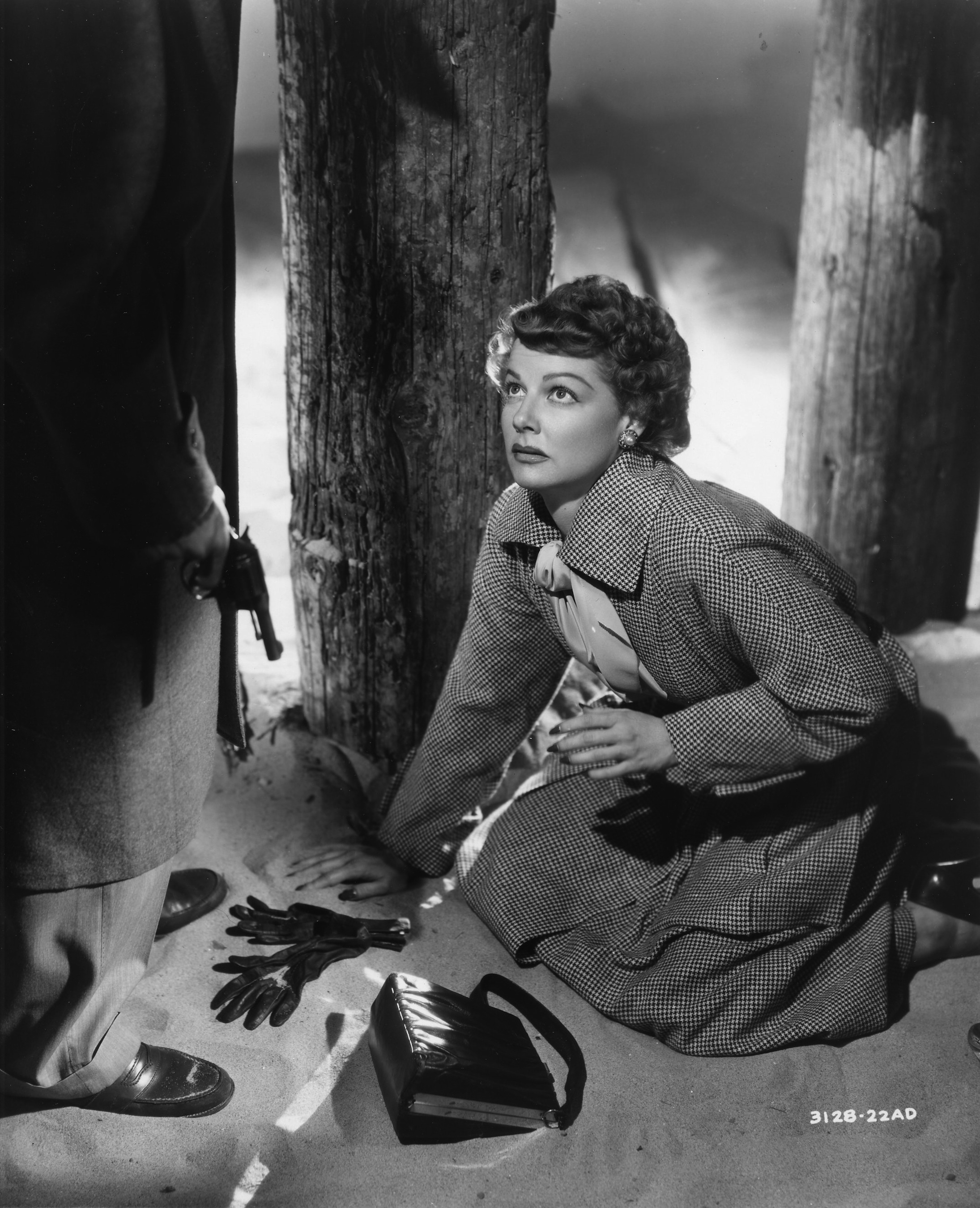 ann sheridan s film noir marriage flicker alley ann sheridan has a bad feeling about this