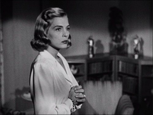 Lizabeth Scott in Too Late for Tears (1949).